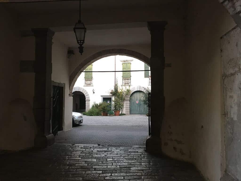 ingresso palazzo de portis