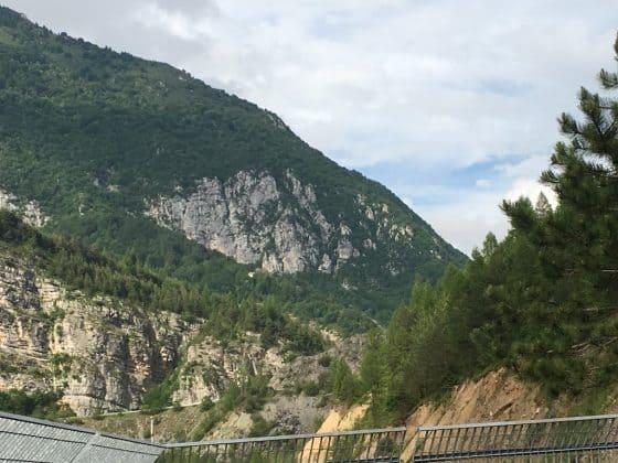 passeggiata con la guida sulla diga del Vajont