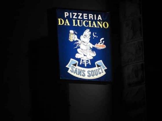 Insegna pizzeria da Luciano