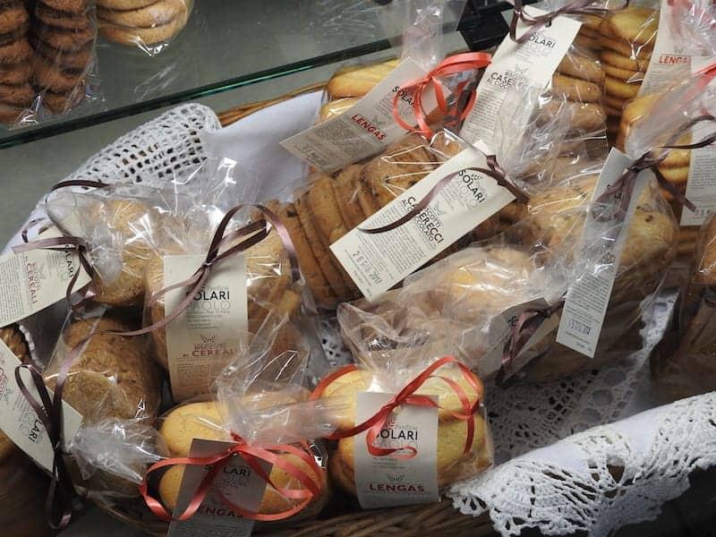 Handgjorda kakor på displayen