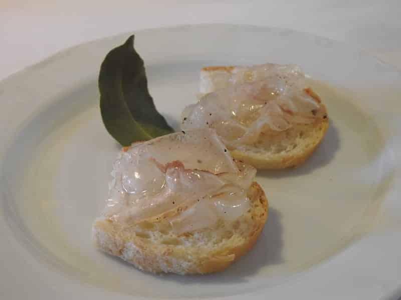 Crostini con lardo Sot La Napa