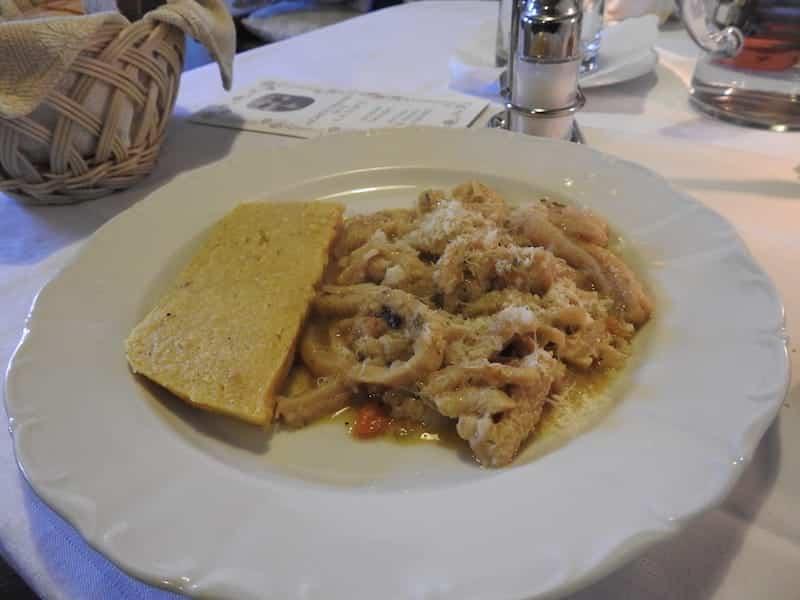 Trippe con polenta Sot La Napa