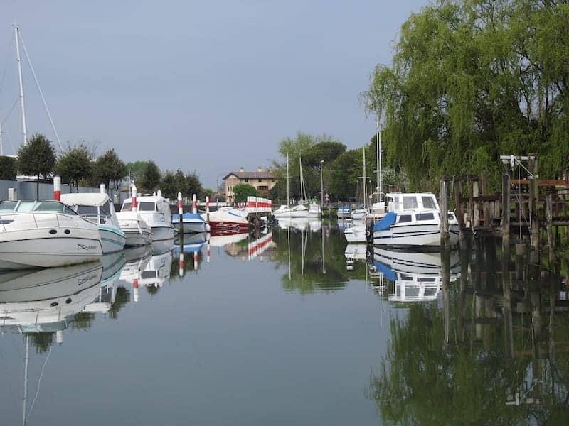 Il porto sul canale Natissa