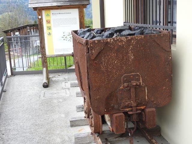 Carrello per il trasporto di carbone