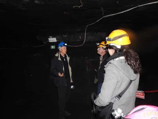 Steg inuti gruvan
