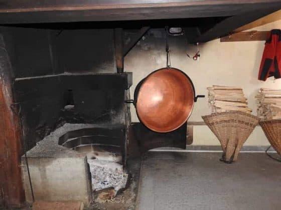 Caminetto per la lavorazione del formaggio
