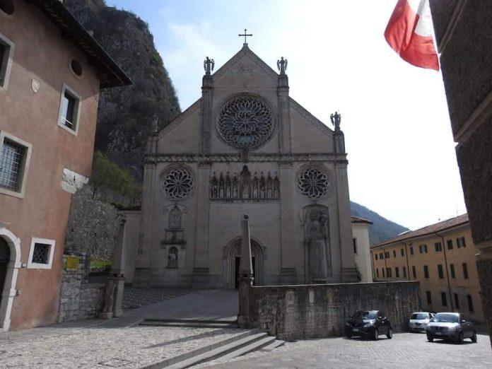 Katedralen i Gemona del Friuli