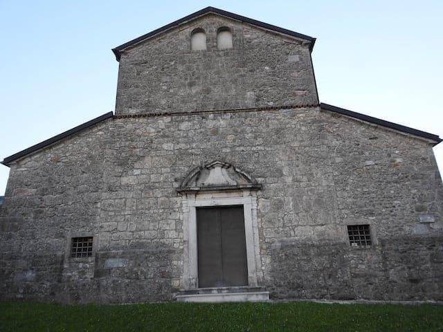 Facciata della Pieve di Santa Maria Maddalena