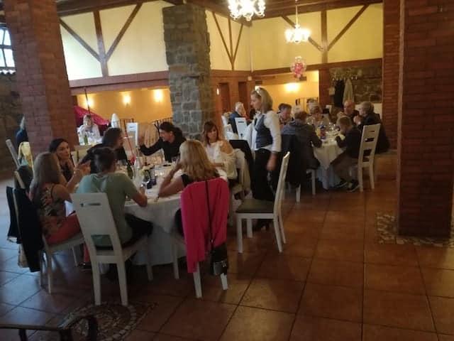 Commensali al ristorante Valmarin - Skofije