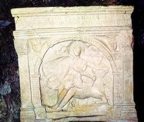 lapide del Dio Mitra