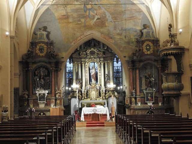 altare policromo