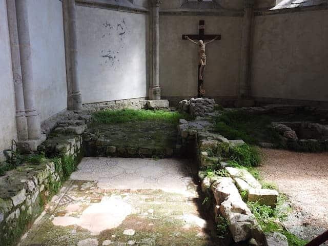 Inredning av kyrkan