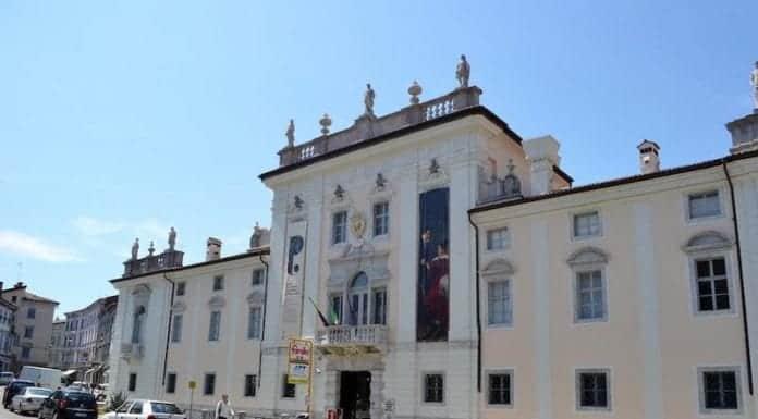 Attems Schloss Petzenstein